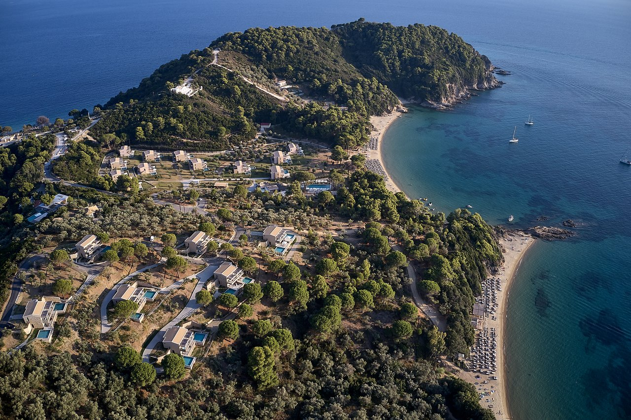 Get the celebrity treatment with world-class service at ELIVI Skiathos